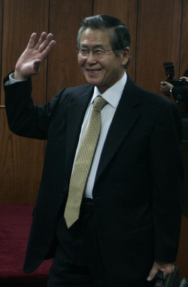 Peruanos a favor de negar indulto a Fujimori