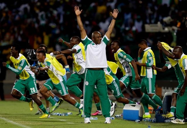 Nigeria debuta ante el débil Tahití