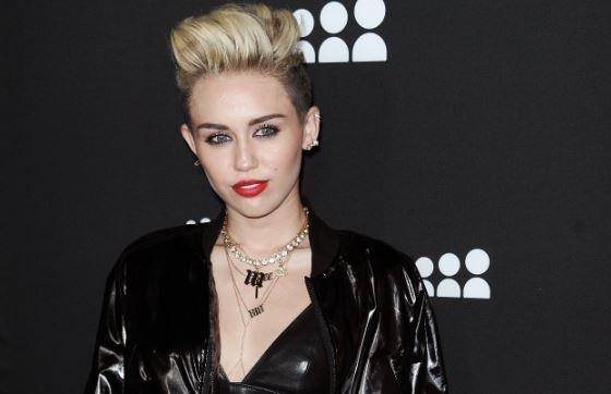 "Miley Cyrus se muestra sensual en ""We can´t stop"" (video)"