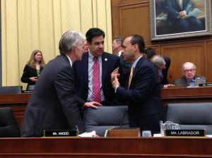 Congreso avanza propuesta migratoria para empleados agrícolas