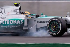 FIA culpa a Mercedes por pruebas ilegales