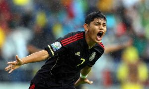 Tras 45 minutos, México y Grecia empatan a uno