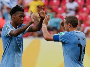 Uruguay golea a Tahití 6 - 0 y aún no termina el partido