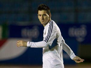 Messi celebra su cumpleaños número 26 (fotos y video)