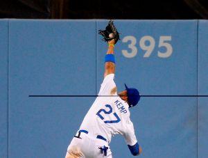 Matt Kemp vuelve y salva a Dodgers ante Gigantes (Video)