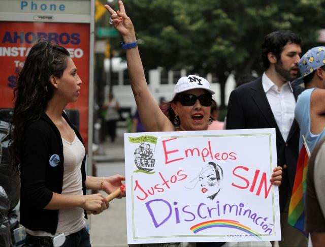 Transgéneros de NYC denuncian discrimen laboral