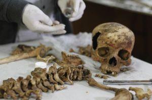 63 momias habitan en mausoleo preinca en Perú (fotos)