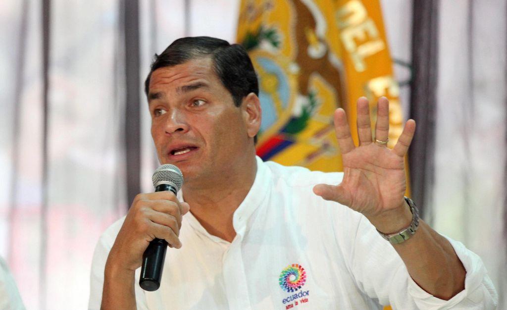 Correa afirma que Biden le pidió negar asilo a Snowden