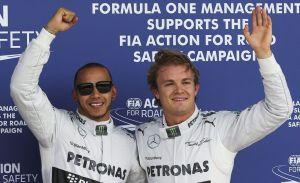 Pilotos de Mercedes saludan respuesta de Pirelli (Video)
