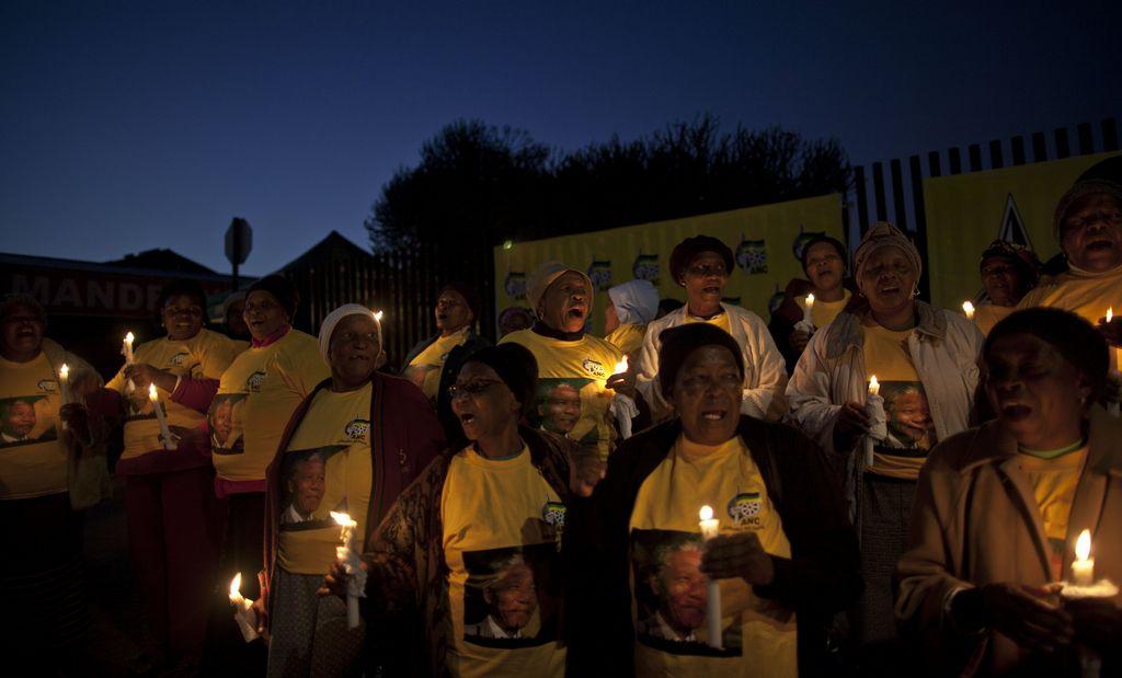 Reportan a Mandela en estado vegetativo permanente