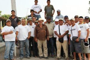 Emigrantes de Michoacán se defienden contra Templarios