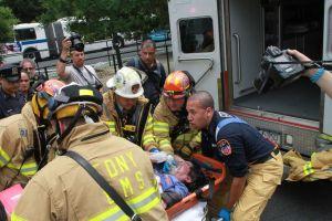 Doce heridos en edificio de Chinatown (fotos)