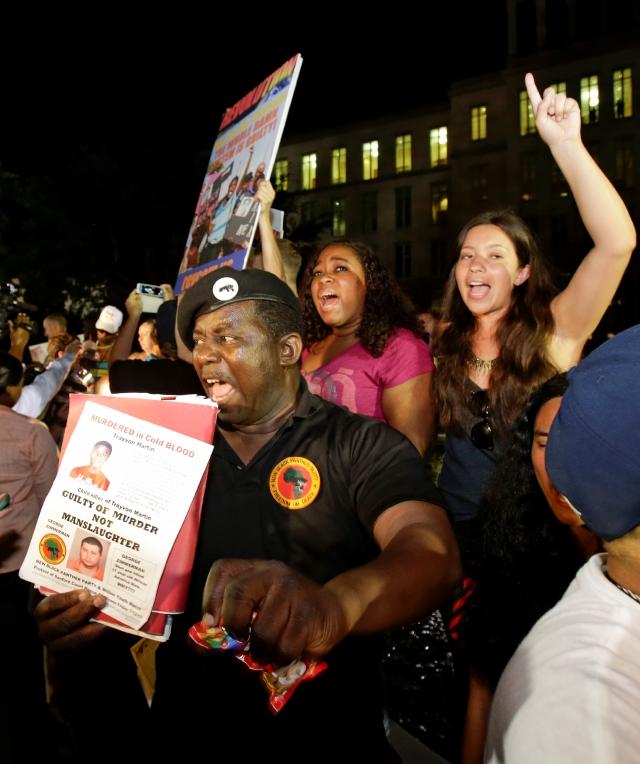 Más   activistas presionan al Departamento de Justicia