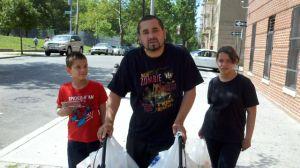 Desamparados en El Bronx temen perder sus albergues