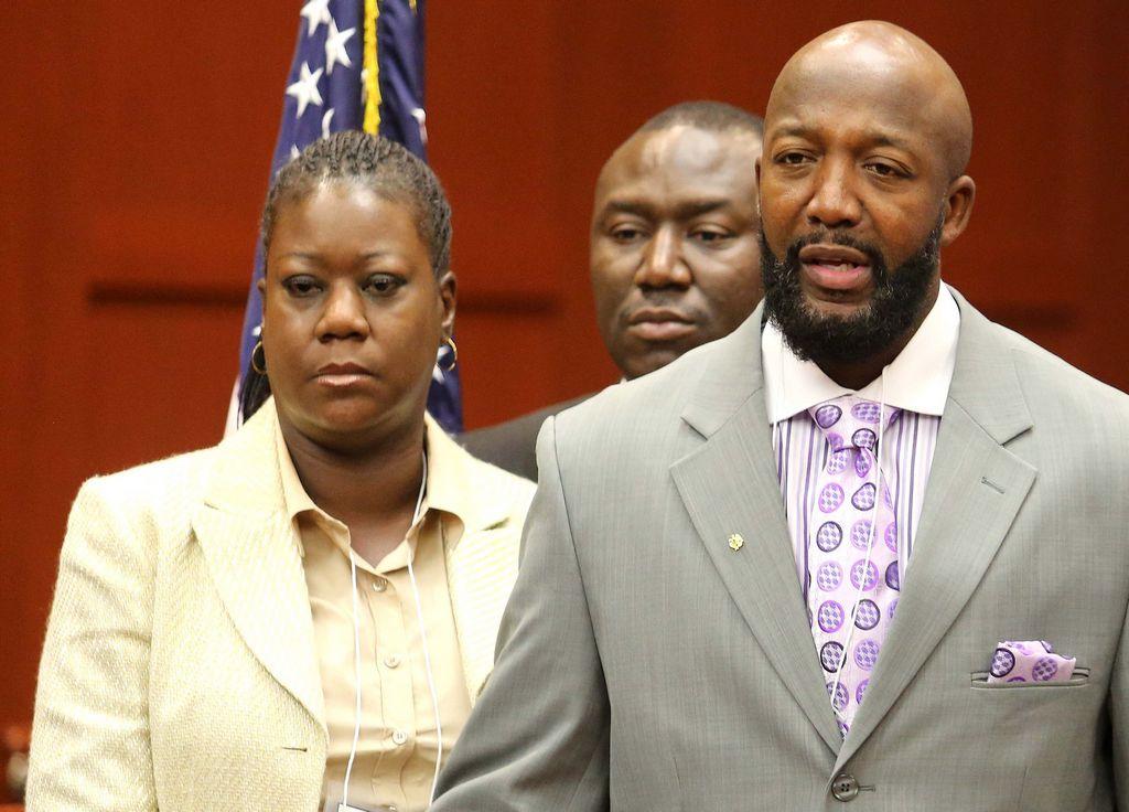 Padres de Trayvon critican fallo sobre Zimmerman (video)