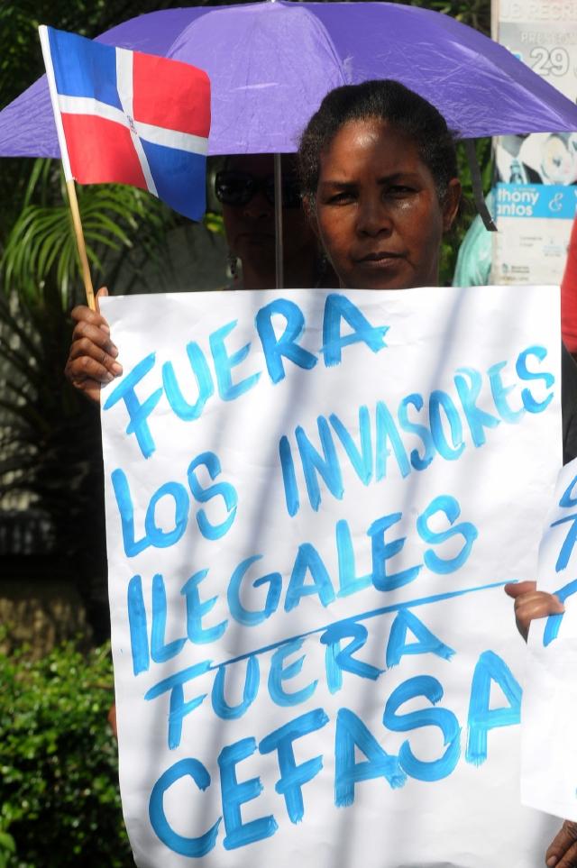 Rechazan   protesta contra migrantes haitianos