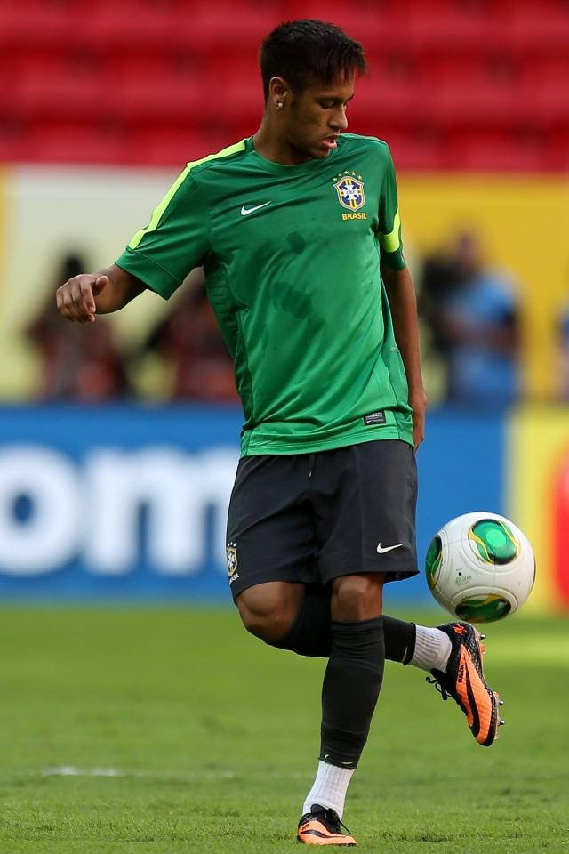 Neymar pretende  que sus características ofensivas se transformen en victorias con el equipo del  Barcelona y al lado del grandes figuras.