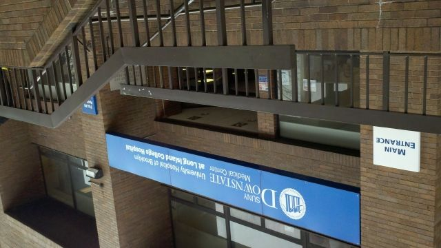 Trabajadores desafían cierre de hospital LICH en Brooklyn