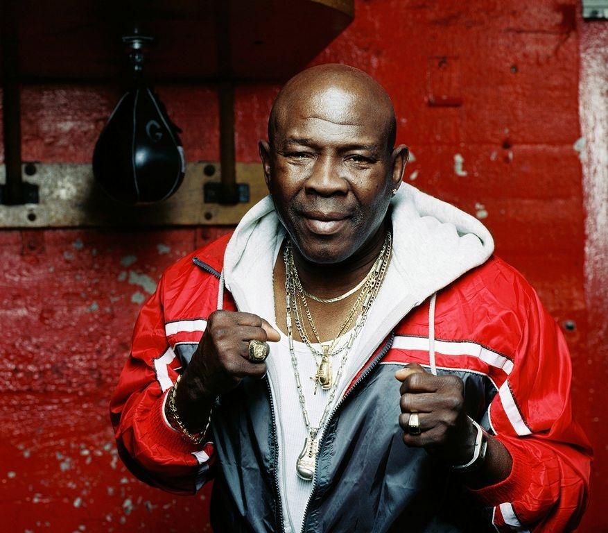 Griffith ganó campeonatos en peso welter y medio y finalizó su carrera con marca de 85-24-2 con 23 KO's.