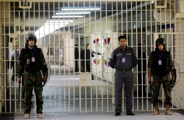 Decenas de muertos en cárceles iraquíes