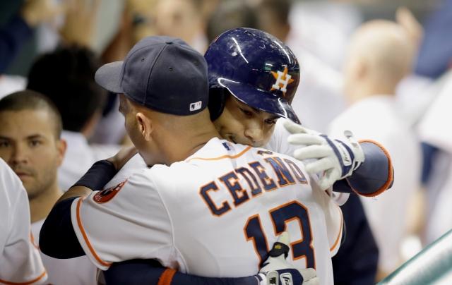 Astros dejan libre a Peña