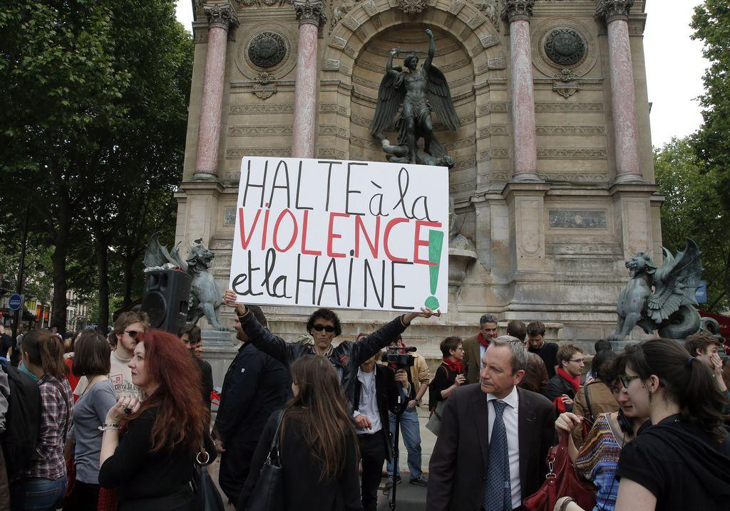 Los enfrentamientos en el suburbio parisino de Trappes crearon una situación tensa en Francia.