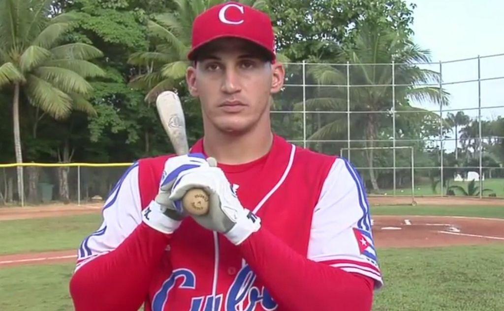 Guerrero bateó 102 cuadrangulares en 172 partidos en la Liga Cubana.