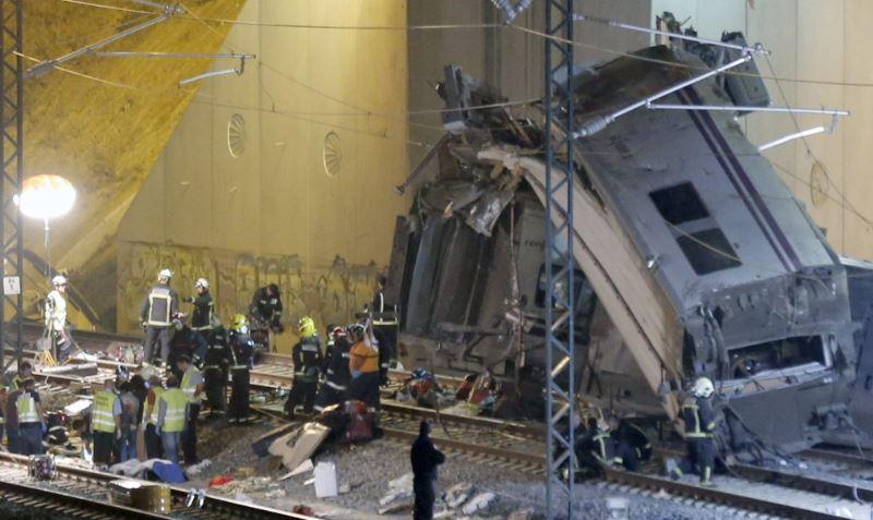 Aumenta número de muertos en accidente de tren en España