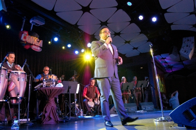 Gilberto Santa Rosa  en su presentación en  el Conga Room.