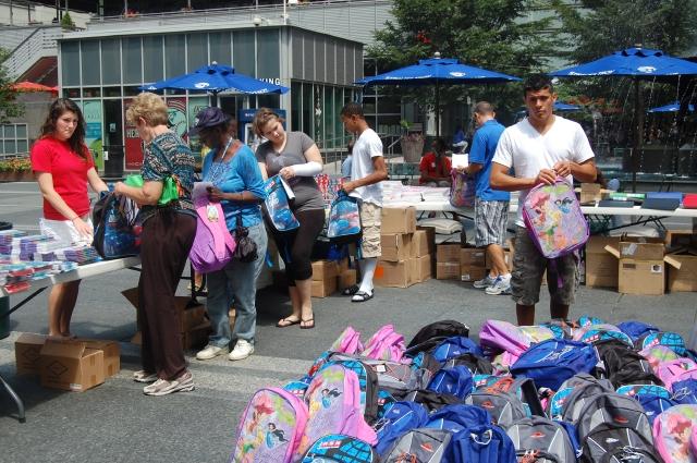 Operación Mochila ayuda a necesitados en NYC