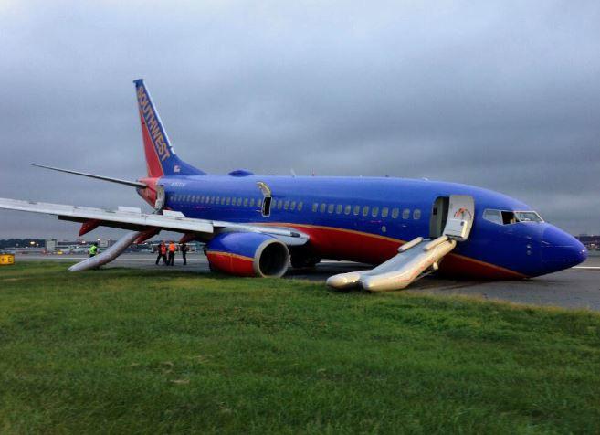 Pasajeros demandan a aerolínea por accidente en NY