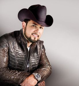 Roberto Tapia dice ser un macho sensible (Video)