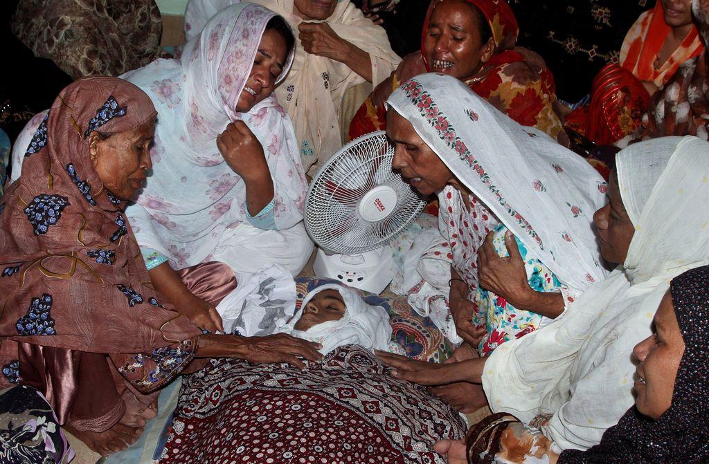 Atentado en partido de fútbol mata 9 niños en Pakistán