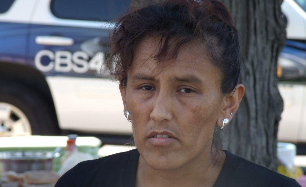 Liberan por tercera vez a activista mexicana con orden de deportación