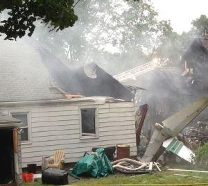 Avión estrellado en Connecticut deja 3 desaparecidos