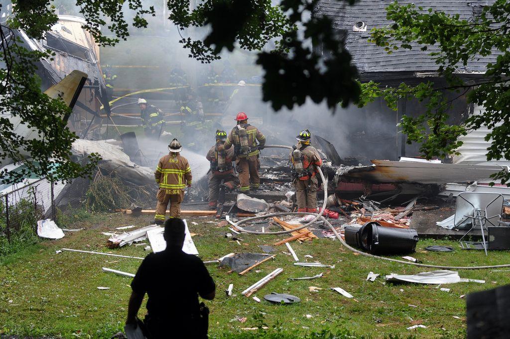Aumentan víctimas por 'avionazo' en Connecticut