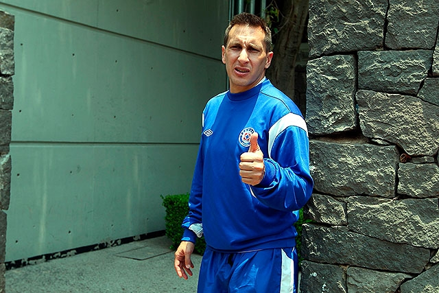 El jugador del Cruz Azul contento de jugar para el 'Tri'.