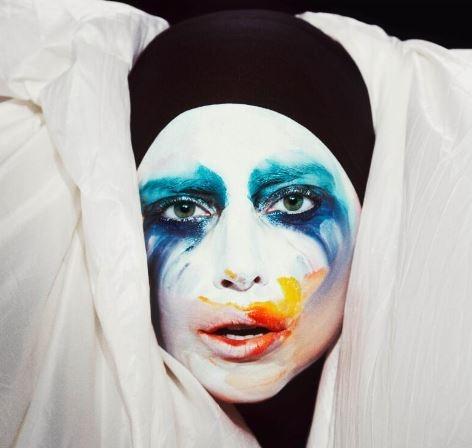 """Lady Gaga adelanta sencillo """"Applause"""" (audio)"""