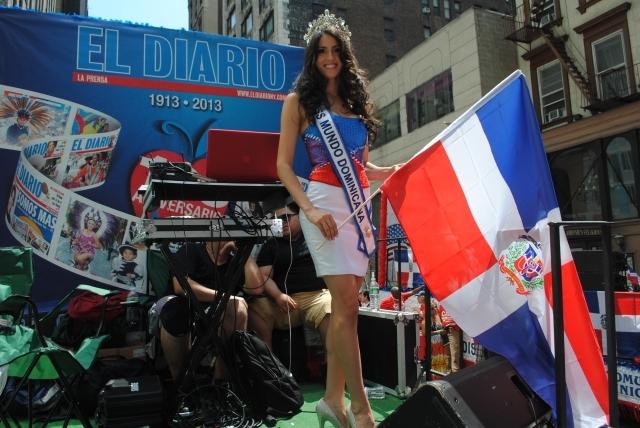 Dominicanos piden cambios para NY a ritmo de merengue