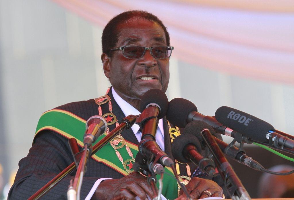 Presidente de Zimbabue da permiso para ahorcarse