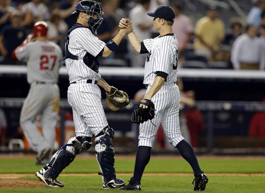 Yankees sientan a Mariano y vencen a Los Ángeles