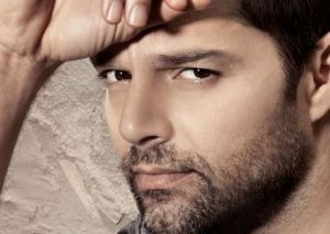 """Ricky Martin se muestra seductor en """"Come with me"""" (video)"""