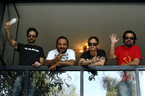 """La banda modificó la canción """"Puto"""" a petición de la organización GLAAD."""