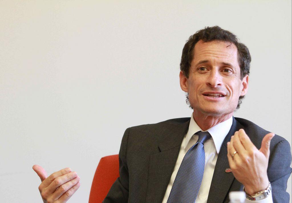 Weiner no piensa en derrota electoral (fotos)