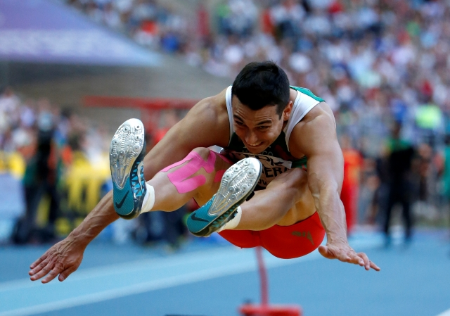 Luis Rivera dio a México el primer bronce en salto largo en un Mundial de Atletismo, en la cita de Moscú.