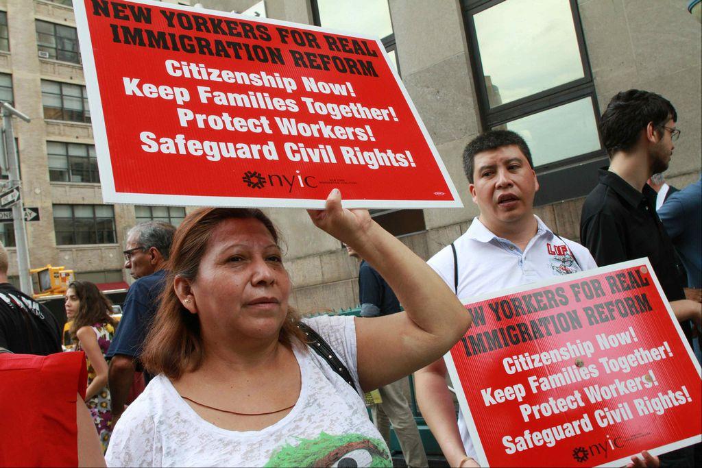 Detienen a 10 en protesta por reforma migratoria en NYC