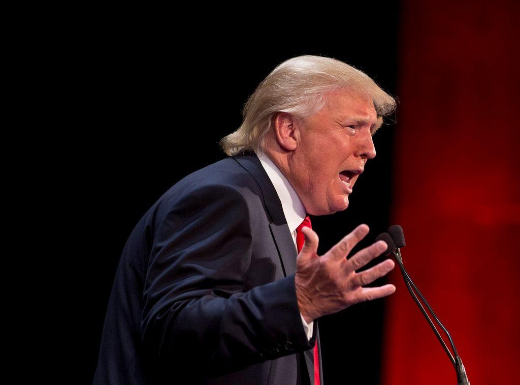 Nueva York demanda a Donald Trump por $40 millones