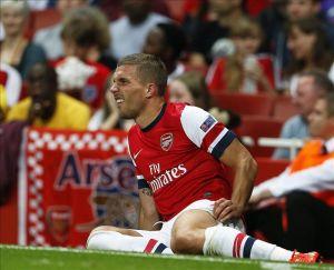 Podolski estará fuera de ocho a diez semanas