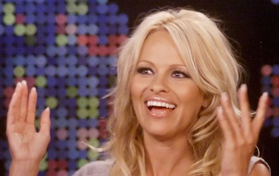 Pamela Anderson correrá maratón de NYC por Haití