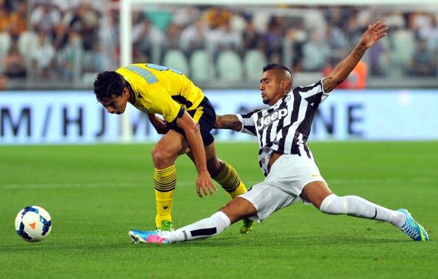 Vidal marca  en goleada de la Juve